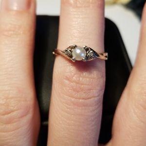 Jewelry - Pearl ring